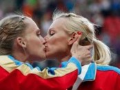 Women's World Cup Soccer Players do Lesbian Sex Act on Field